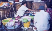 ココナッツミルクたっぷりのタイのスウィーツ(汁菓子)