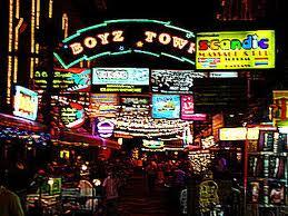 パタヤ観光、ウォーキングストリート&ボーイズ・タウン(夜遊びスポット)