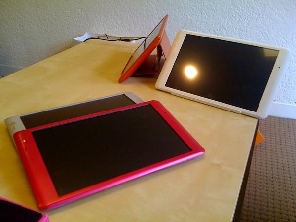 人気のタブレットPC+超高速Pocket WiFiのセットがナント!ビックリ!